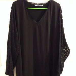 Black top with lace long sleeves Susan Graver 3X